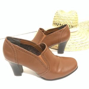 Rialto Brown Ankle Booties size 8
